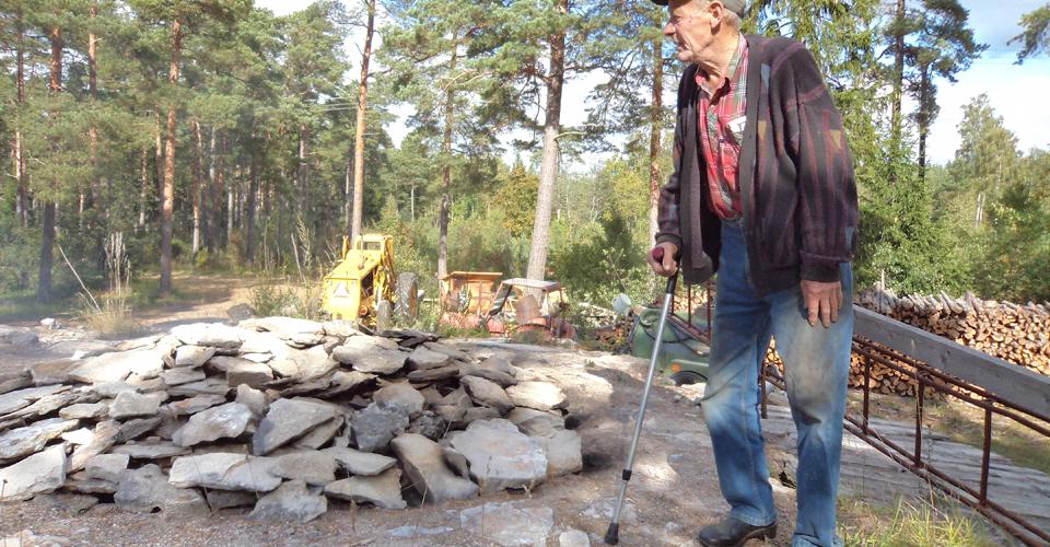 Kalk brändes hantverksmässigt i Buttle fram till 1956 då den siste kalkbrännaren slutade med sin verksamhet. 1989 tog Hans Andersson initiativ till att återuppta kalkbränningen och tillvarata de kunskaper han lärde som ung vid socknens kalkugnar.